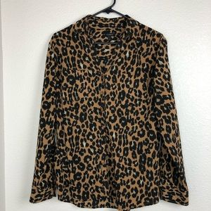 Talbots leopard print button down double pockets